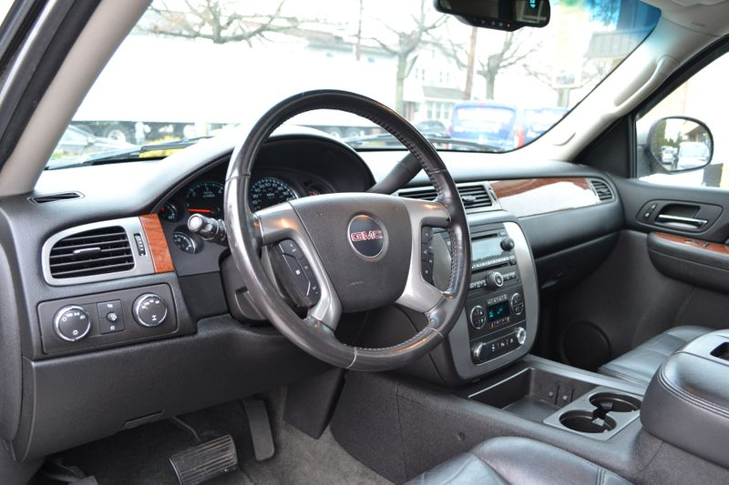 2008 GMC Yukon XL SLT w4SB  city New  Father  Son Auto Corp   in Lynbrook, New
