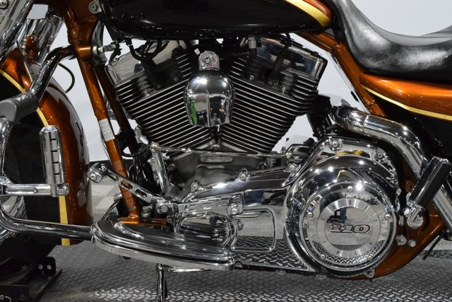 2008 Harley-Davidson® FLHRSE4 - Screamin' Eagle Road King 105th Anniversary Edition in Carrollton, TX 75006