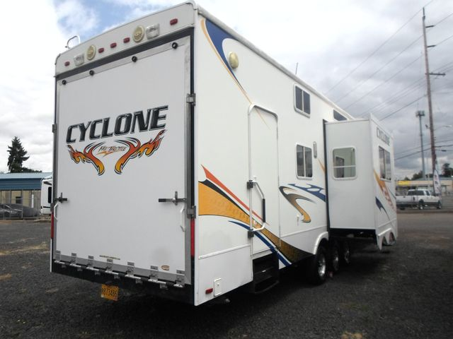 2008 Heartland Cyclone 4012 Salem, Oregon 2