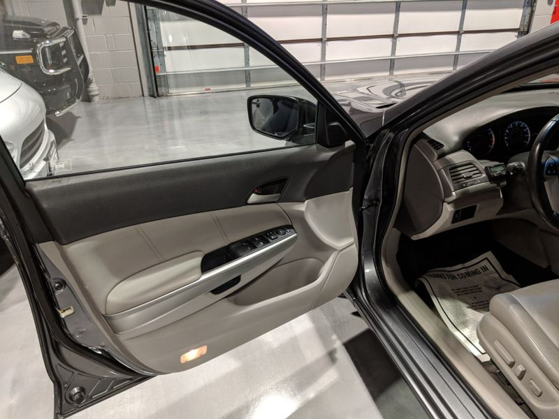 2008 Honda Accord EX-L  Lake Forest IL  Executive Motor Carz  in Lake Forest, IL