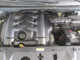 2008 Hyundai Entourage GLS Gardena, California 14