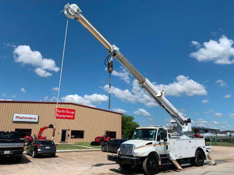 2008 International 4300 DIGGER DERRICK  in Fort Worth, TX
