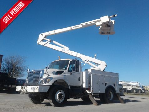 2008 International 7300 BUCKET TRUCK W/ MATERIAL HANDLER  in Fort Worth, TX