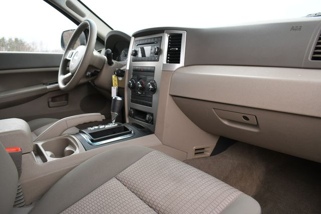 2008 Jeep Grand Cherokee Laredo 4WD Naugatuck, Connecticut 10