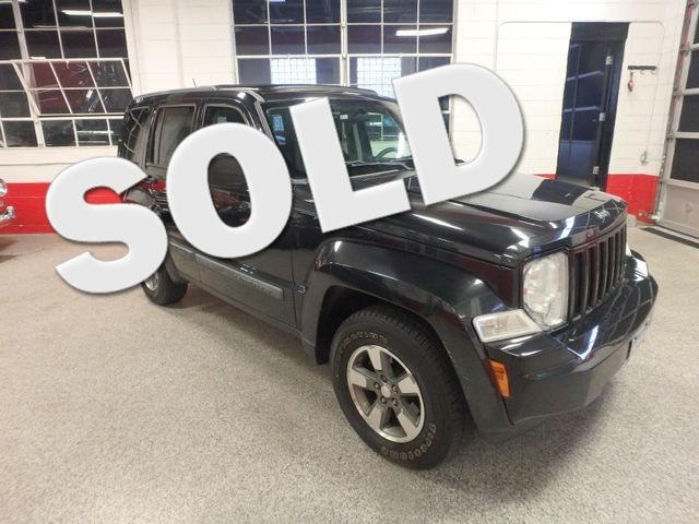 2008 Jeep Liberty Sport 4x4 sky-slider roof, serviced  and winter ready! Saint Louis Park, MN