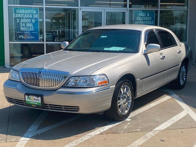 2008 Lincoln Town Car Limited in Dallas, TX 75237