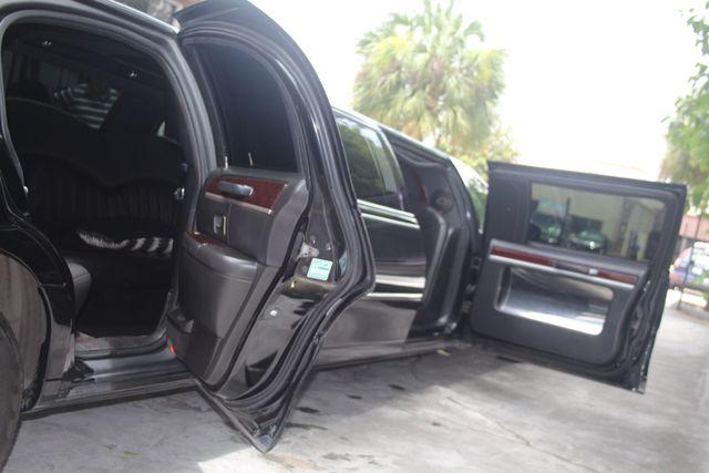2008 Lincoln Town Car Limousine Pkg Houston, Texas 8