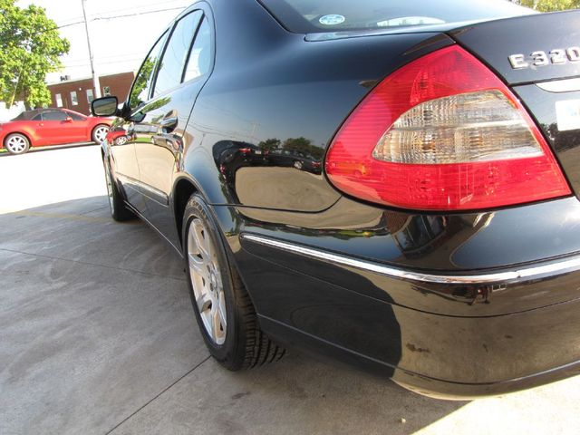 2008 Mercedes-Benz E320 3.0L in Medina OHIO, 44256