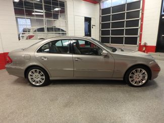 2008 Mercedes E350 4-Matic SHARP AND SMOOTH LUXURY BENZ Saint Louis Park, MN 1