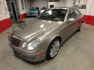 2008 Mercedes E350 4-Matic SHARP AND SMOOTH LUXURY BENZ Saint Louis Park, MN 7