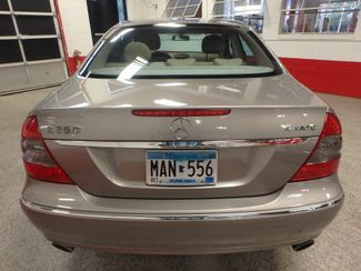 2008 Mercedes E350 4-Matic SHARP AND SMOOTH LUXURY BENZ Saint Louis Park, MN 9