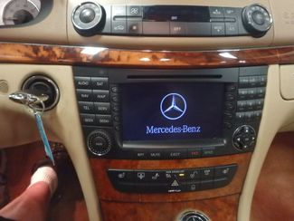 2008 Mercedes E350 4-Matic SHARP AND SMOOTH LUXURY BENZ Saint Louis Park, MN 6