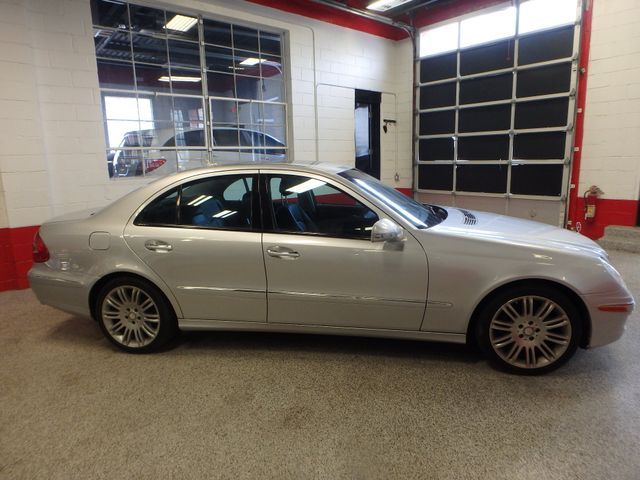 2008 Mercedes-E350 4-Matic LUXURY, SAFETY,  PERFORMANCE! Saint Louis Park, MN 1