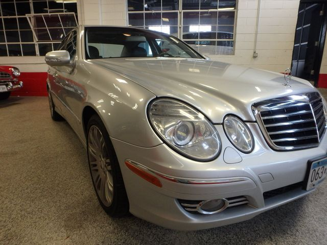 2008 Mercedes-E350 4-Matic LUXURY, SAFETY,  PERFORMANCE! Saint Louis Park, MN 14