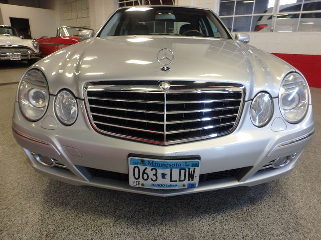 2008 Mercedes-E350 4-Matic LUXURY, SAFETY,  PERFORMANCE! Saint Louis Park, MN 15