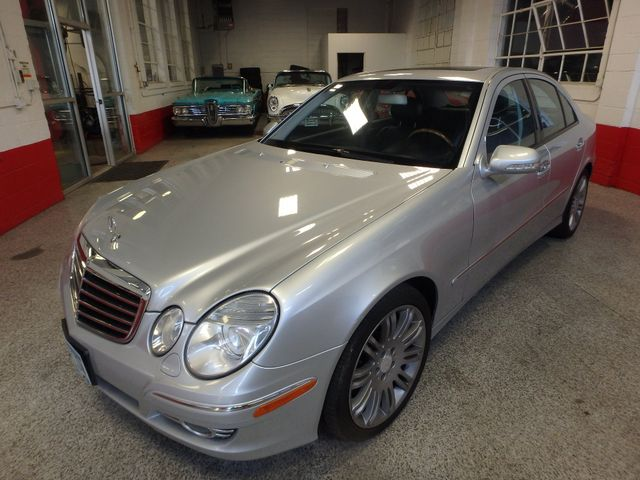 2008 Mercedes-E350 4-Matic LUXURY, SAFETY,  PERFORMANCE! Saint Louis Park, MN 7