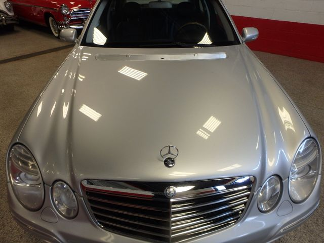 2008 Mercedes-E350 4-Matic LUXURY, SAFETY,  PERFORMANCE! Saint Louis Park, MN 13
