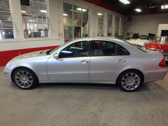 2008 Mercedes-E350 4-Matic LUXURY, SAFETY,  PERFORMANCE! Saint Louis Park, MN 9