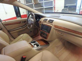 2008 Mercedes R350 4matic 3RD ROW, SEATS 7,  FAMILY FRIENDLY! Saint Louis Park, MN 17