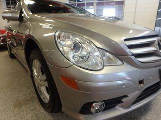 2008 Mercedes R350 4matic 3RD ROW, SEATS 7,  FAMILY FRIENDLY! Saint Louis Park, MN 18