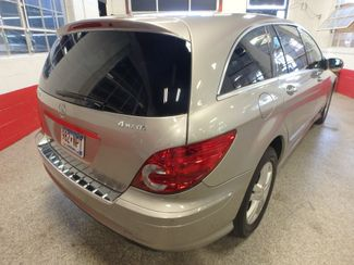 2008 Mercedes R350 4matic 3RD ROW, SEATS 7,  FAMILY FRIENDLY! Saint Louis Park, MN 10