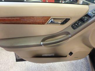 2008 Mercedes R350 4matic 3RD ROW, SEATS 7,  FAMILY FRIENDLY! Saint Louis Park, MN 3