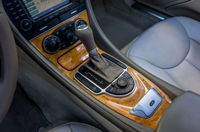 2008 Mercedes-Benz SL550 V8 in Reseda, CA, CA 91335