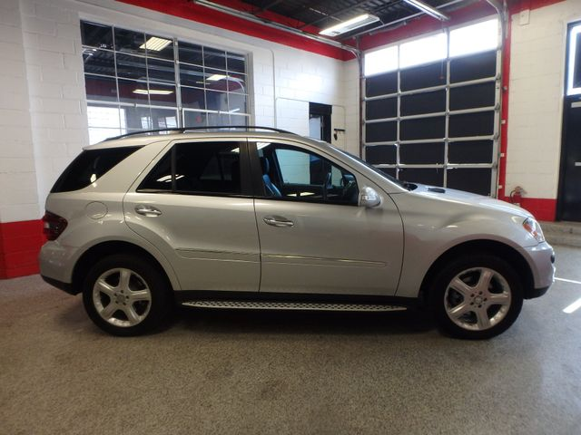 2008 Mercedes Ml320 4-Matic NAV, DVD,BLUETOOTH, SERVICED. AND READY! Saint Louis Park, MN 1
