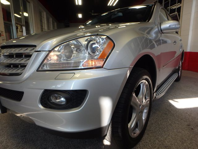 2008 Mercedes Ml320 4-Matic NAV, DVD,BLUETOOTH, SERVICED. AND READY! Saint Louis Park, MN 26