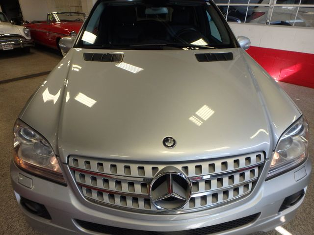 2008 Mercedes Ml320 4-Matic NAV, DVD,BLUETOOTH, SERVICED. AND READY! Saint Louis Park, MN 27