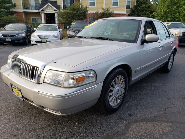 2008 Mercury Grand Marquis LS | Champaign, Illinois | The Auto Mall of Champaign in Champaign Illinois