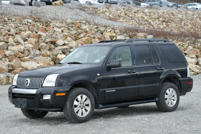 2008 Mercury Mountaineer AWD Naugatuck, Connecticut 2