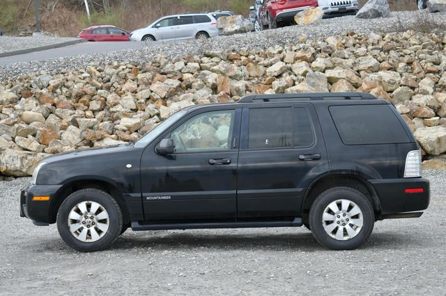 2008 Mercury Mountaineer AWD Naugatuck, Connecticut 3