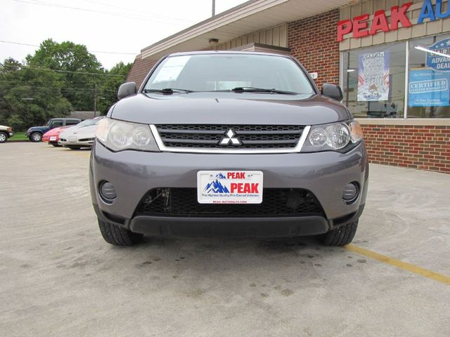 2008 Mitsubishi Outlander ES in Medina OHIO, 44256