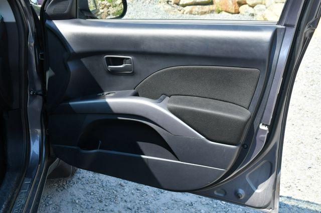 2008 Mitsubishi Outlander ES 4WD Naugatuck, Connecticut 11