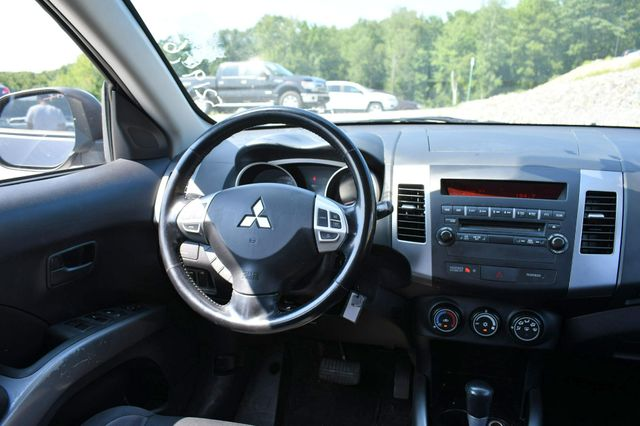 2008 Mitsubishi Outlander ES 4WD Naugatuck, Connecticut 13