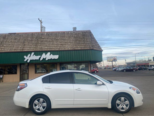 2008 Nissan Altima 2.5 S ONLY 25,000 Miles in Dickinson, ND 58601