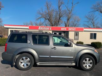 2008 Nissan Pathfinder LE in Coal Valley, IL 61240