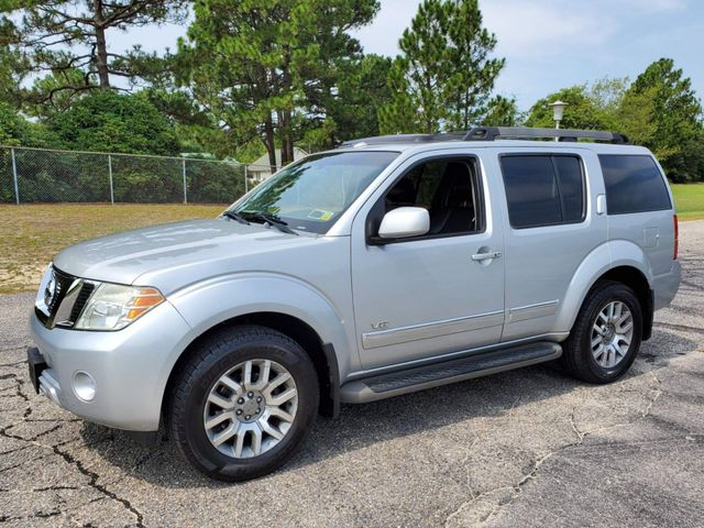 2008 Nissan Pathfinder LE 4x4 V8 in Hope Mills, NC 28348