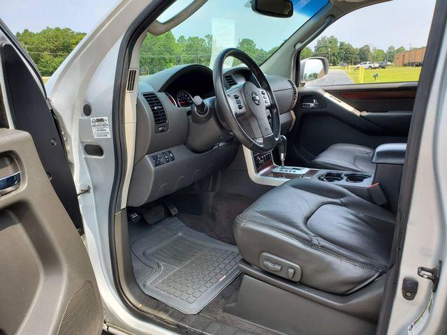 2008 Nissan Pathfinder LE 4x4 V8 in Hope Mills, NC 28348