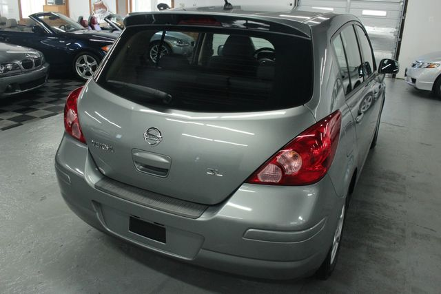2008 Nissan Versa 1.8 SL Hatchback Kensington, Maryland 11