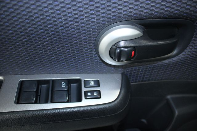 2008 Nissan Versa 1.8 SL Hatchback Kensington, Maryland 15