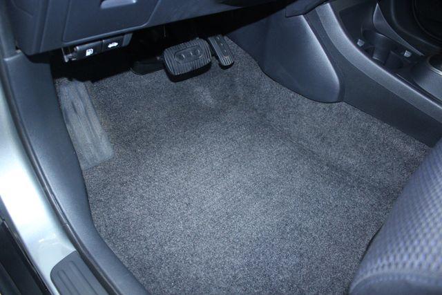 2008 Nissan Versa 1.8 SL Hatchback Kensington, Maryland 22