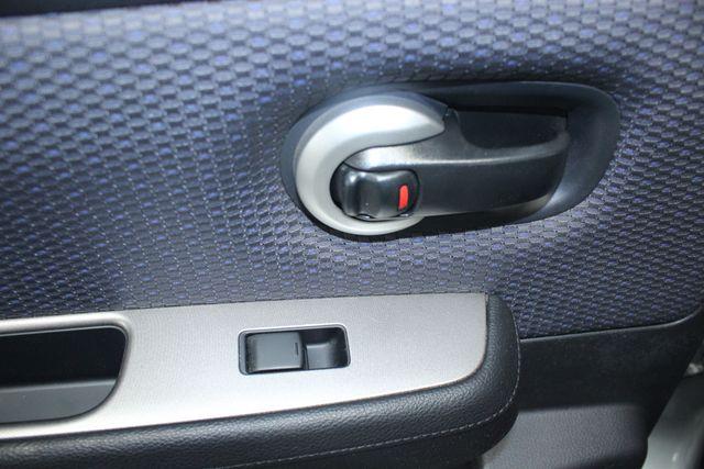 2008 Nissan Versa 1.8 SL Hatchback Kensington, Maryland 25