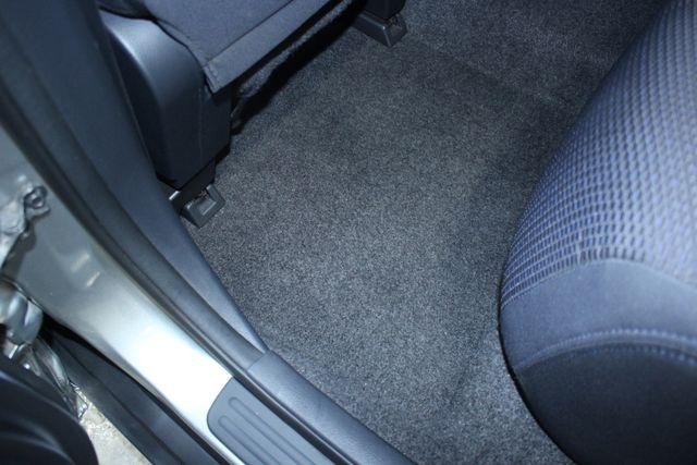 2008 Nissan Versa 1.8 SL Hatchback Kensington, Maryland 34