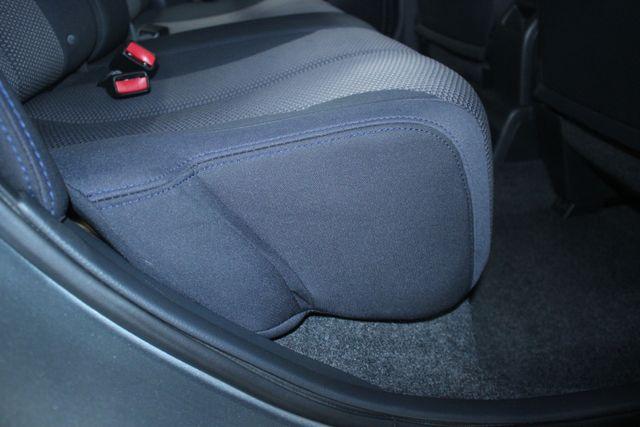 2008 Nissan Versa 1.8 SL Hatchback Kensington, Maryland 42