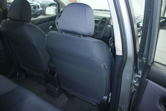 2008 Nissan Versa 1.8 SL Hatchback Kensington, Maryland 43
