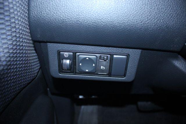 2008 Nissan Versa 1.8 SL Hatchback Kensington, Maryland 77