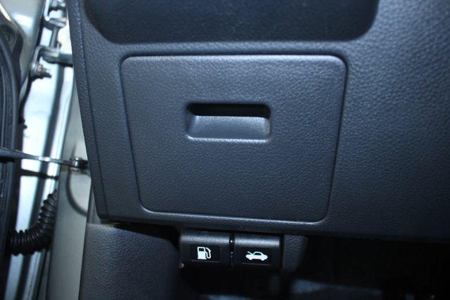 2008 Nissan Versa 1.8 SL Hatchback Kensington, Maryland 78