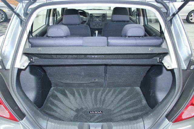 2008 Nissan Versa 1.8 SL Hatchback Kensington, Maryland 86